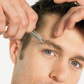 Depilarse las cejas para las hombres